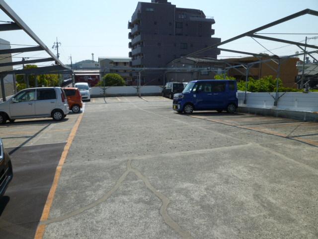 徳島文理大学 駐車場 月極